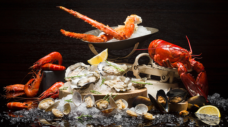 intercontinental singapore seafood platter