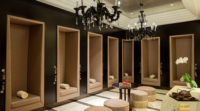 iridium spa at the st regis saadiyat island resort changing room