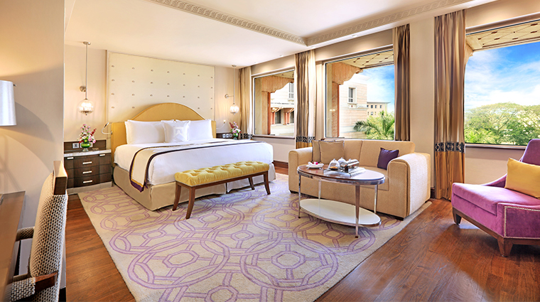 itc maratha luxury collection hotel guestroom