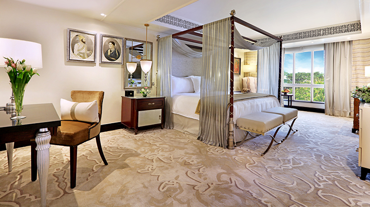 itc maratha luxury collection hotel presidential suite bed