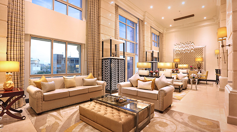 itc maratha luxury collection hotel presidential suite living room