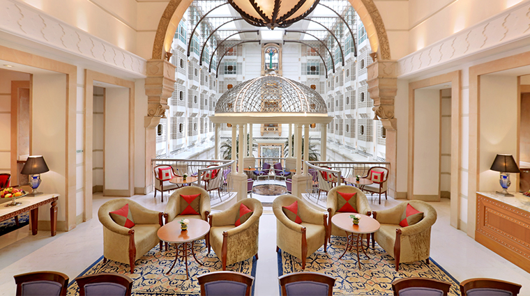itc maratha luxury collection hotel upper crust lounge