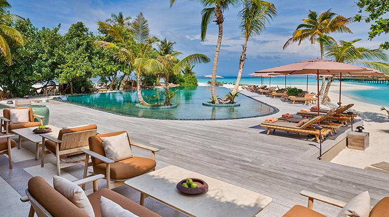 joali maldives mura main pool