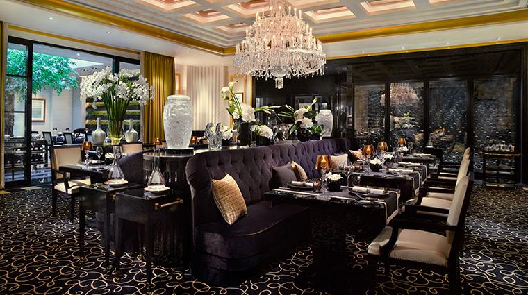 joel robuchon singapore dining area