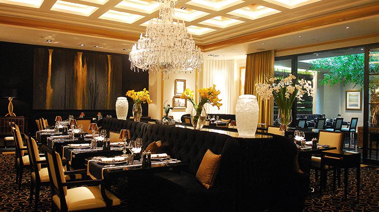 joel robuchon singapore dining room