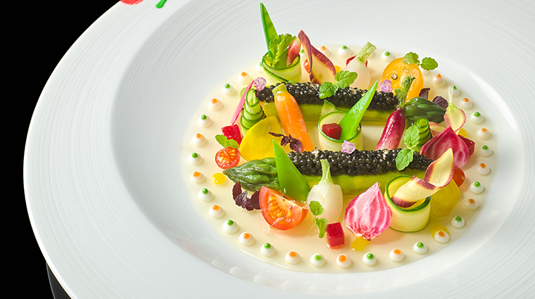 joel robuchon singapore imperial caviar on asparagus and tomato jelly