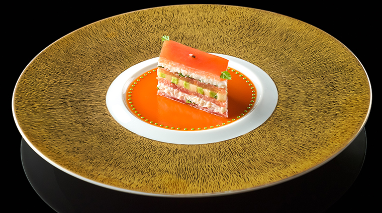 joel robuchon singapore king crab and tomato mille feuille with coulis