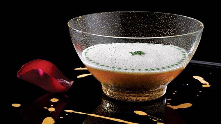 joel robuchon singapore oscetra caviar smooth cauliflower