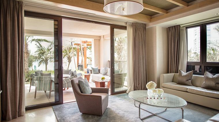 jumeirah al naseem gulf ocean suite living room