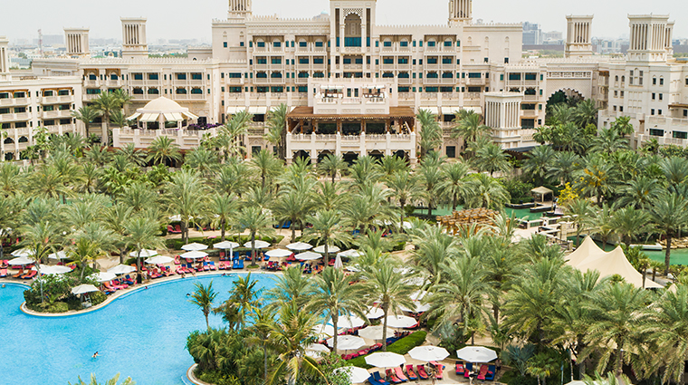 jumeirah al qasr main pool