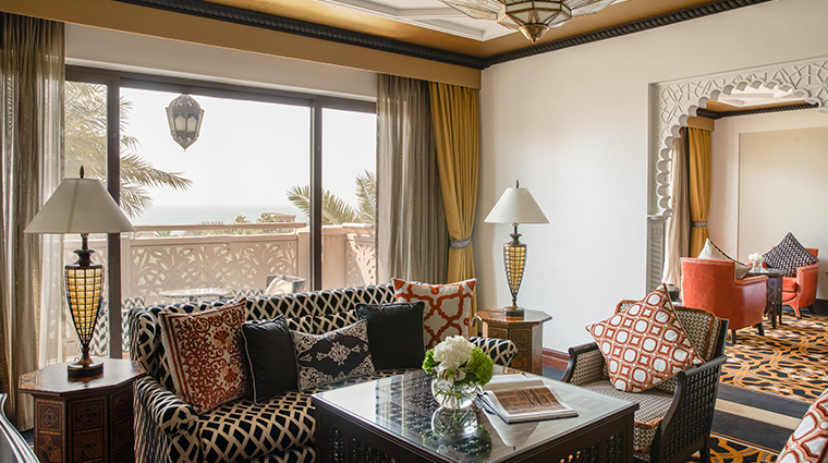 jumeirah al qasr one bedroom ocean suite living room