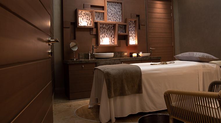 jumeirah saadiyat island resort spa treatment room