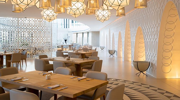 jumeirah saadiyat island resort white restaurant2