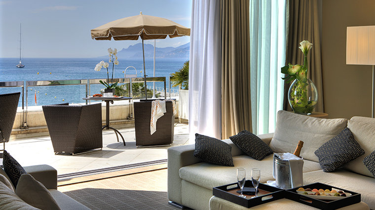 jw marriott cannes living room