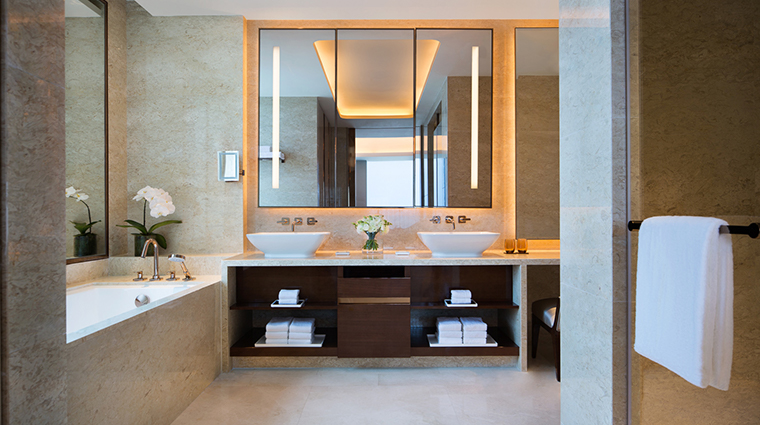 jw marriott hotel macau executive suite bathroom