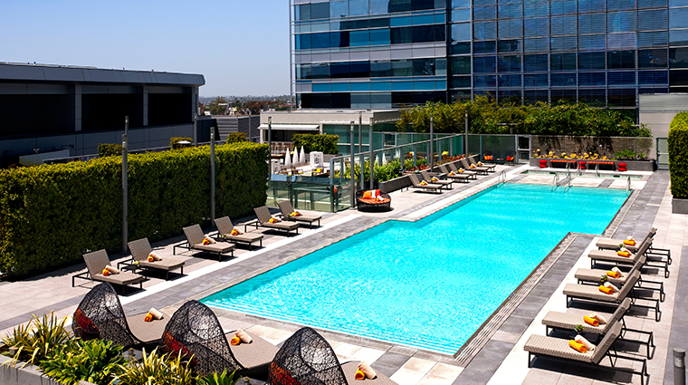 jw marriott los angeles la live rooftop pool