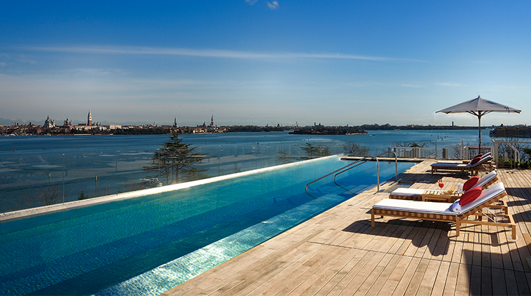 jw marriott venice resort spa rooftop pool