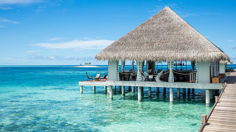 kanuhura maldives arrival jetty