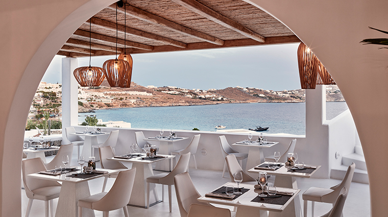 katikies mykonos SELTZ champagne bar and restaurant