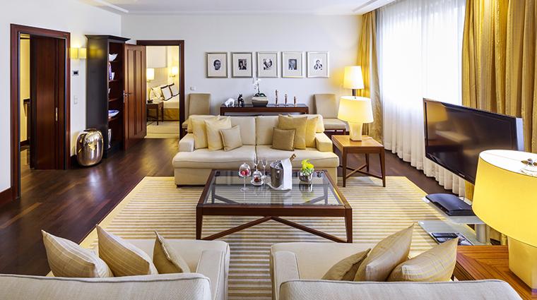 kempinski hotel bristol berlin suite living room