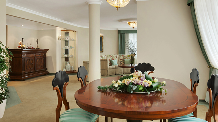kempinski hotel corvinus budapest Corvinus Suite Collection Herend Suite