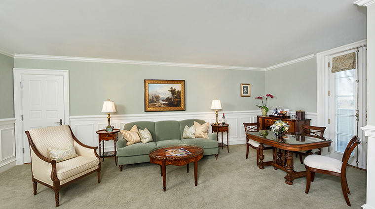 keswick hall and golf club master suite parlor