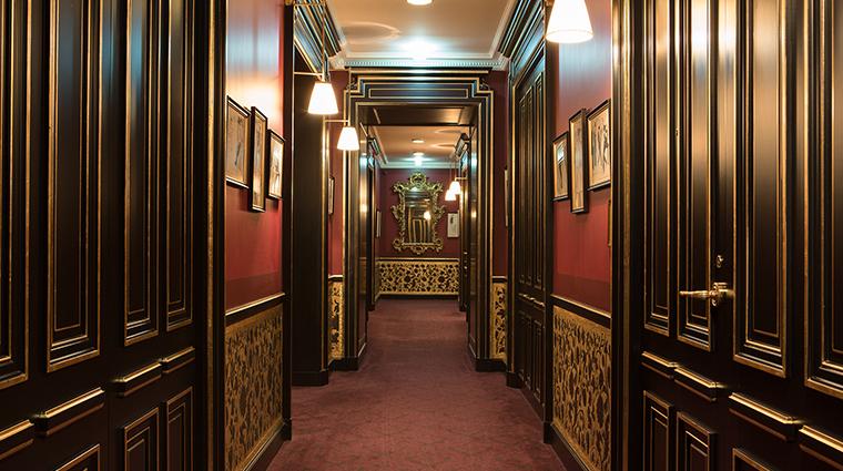 La Reserve Paris lobby suites