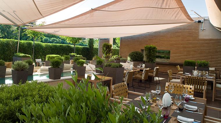 la reserve ramatuelle restaurant patio