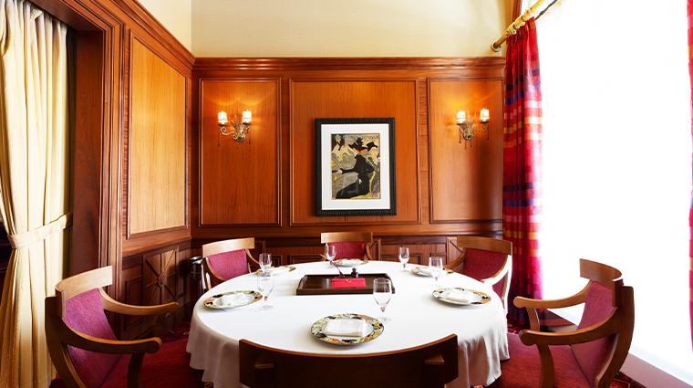 lautrec round table