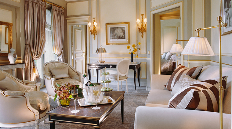 le meurice dorchester collection executive suite living room