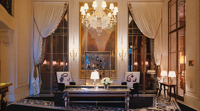 le meurice dorchester collection lobby near the front desk