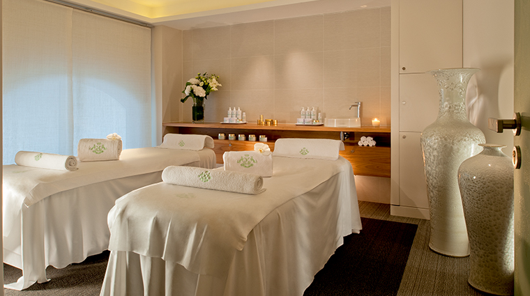 le meurice dorchester collection spa valmont pour le meurice treatment room