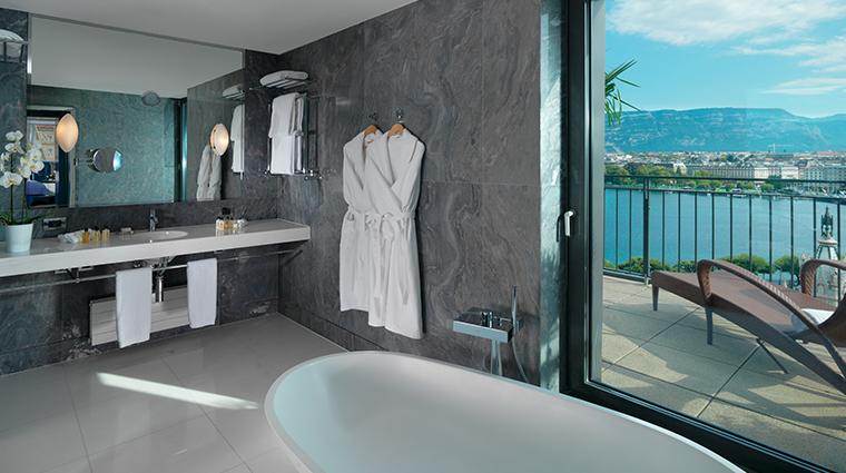 le richemond geneve Armleder suite bathroom