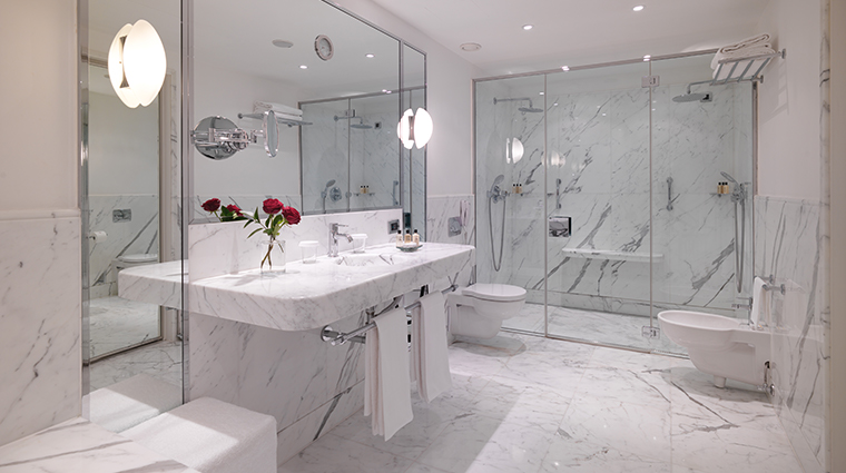 le richemond geneve new junior suite bathroom
