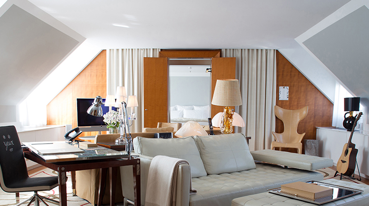 le royal monceau raffles paris penthouse suite living room