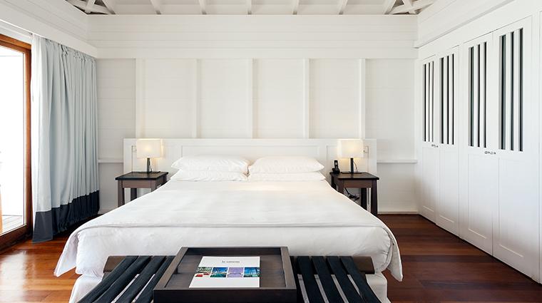 le sereno grand suite bed