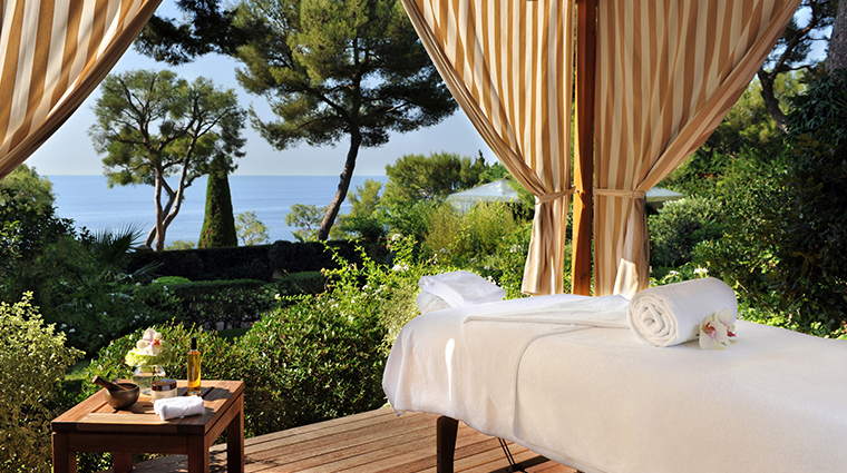 le spa at grand hotel du cap ferrat a four seasons hotel treatment room