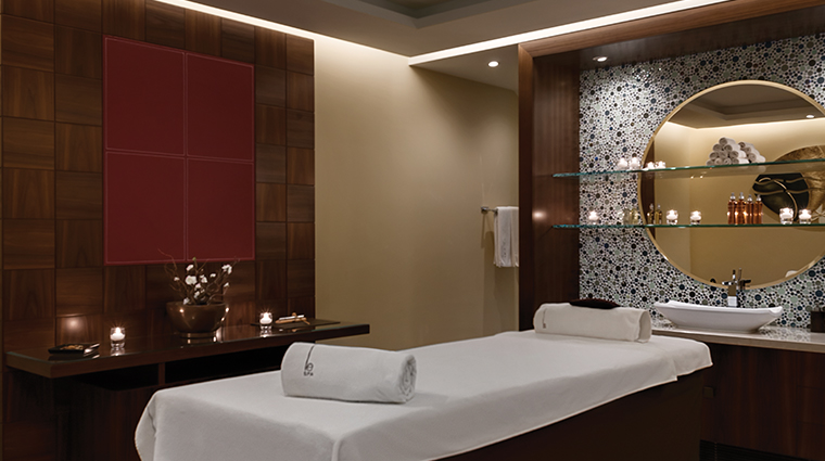 le spa valmont treatment room table