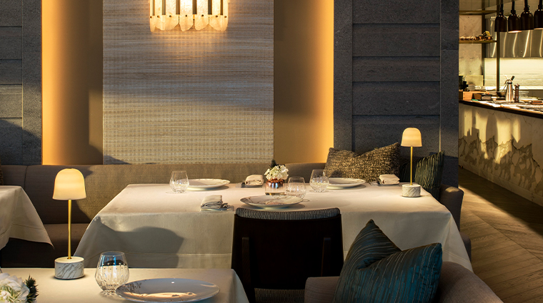 lenvol dining room3