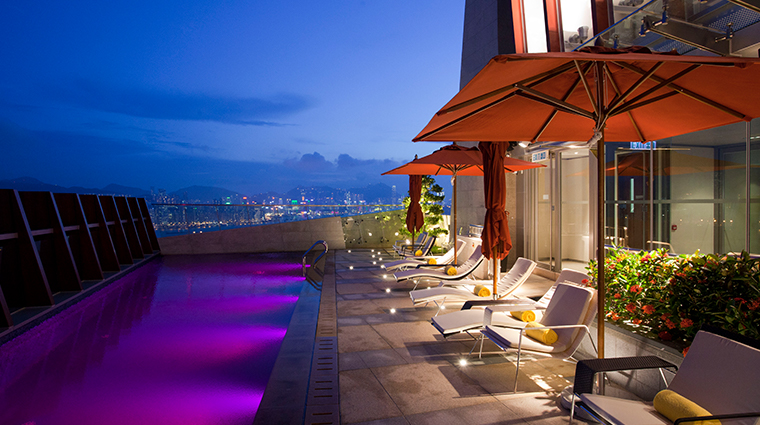 lhotel elan skyline pool