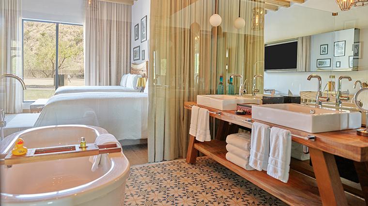 live aqua urban resort san miguel de allende guestroom bathroom 2