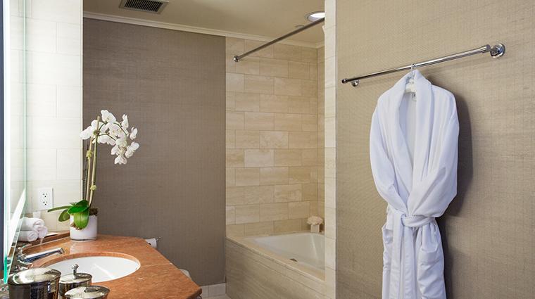 loews regency san francisco hotel guestroom bathroom
