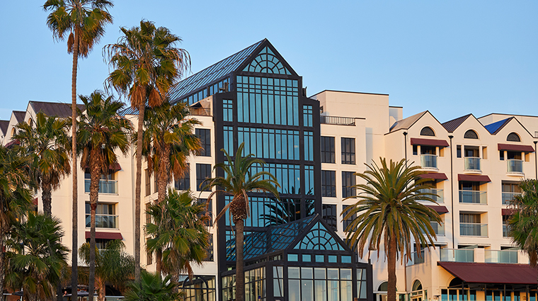 loews santa monica beach hotel exterior