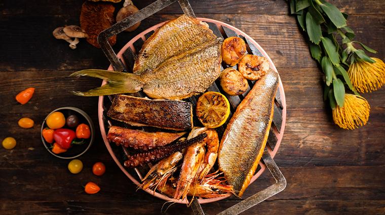 los fuegos by francis mallmann seafood parillada
