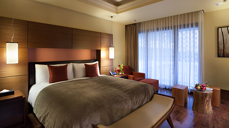 lotte hotel moscow guestroom bed