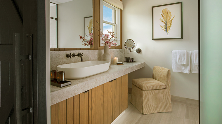 macarthur place hotel and spa bathroom