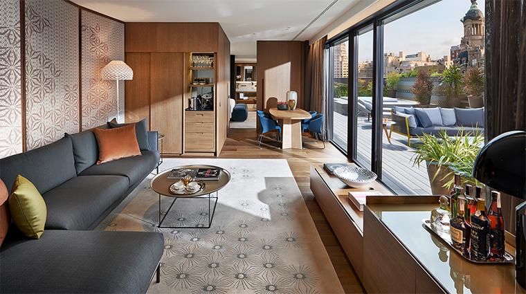 mandarin oriental barcelona barcelona suite living room