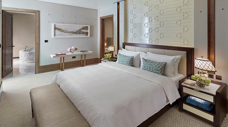 mandarin oriental doha premier suite bedroom
