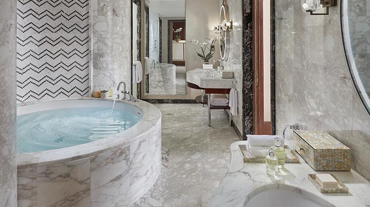 mandarin oriental doha standard bathroom