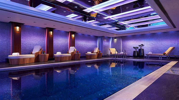mandarin oriental hong kong swimming pool